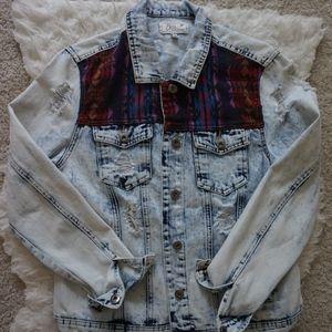 distressed denim jacket sz L light wash